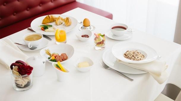 Tägliches Frühstück und ein Drei-Gänge-Menü sind im Übernachtungsgutschein für das Hotel Chester Heidelberg inbegriffen. (Quelle: Hotel Chester Heidelberg)